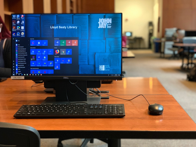 Photo of library computer with Windows 10
