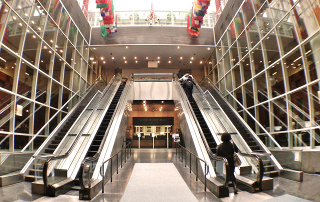 entrance between escalators